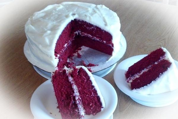 Bet your Mom didn't make Red Velvet Cake for Thanksgiving!